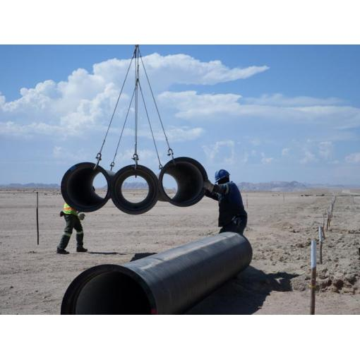 unloading pipes, work site management
