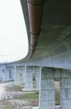 Bridge crossing pipe laying - water - ductile iron pipe - Saint-Gobain PAM - INTEGRAL